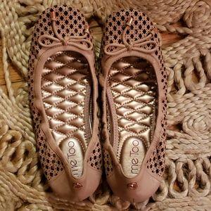 NEW Me Too Faith leather mauve ballet flats